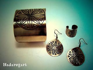 Pentru comenzi telefon: 0759165234 sau email: hadaruga.mihai@yahoo.com.  Mai multe creatii in cupru, sau sticla gravata gasiti pe site-ul de prezentare:  http://hadarugart.weebly.com/