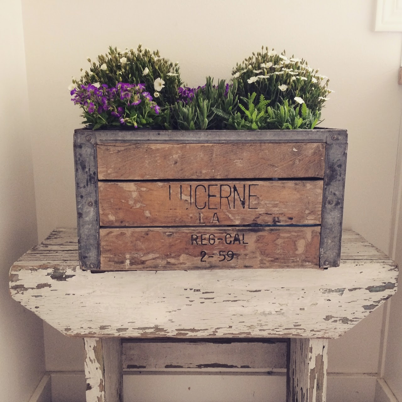 little farmstead farmhouse spring decorating and more On how to decorate with wooden crates