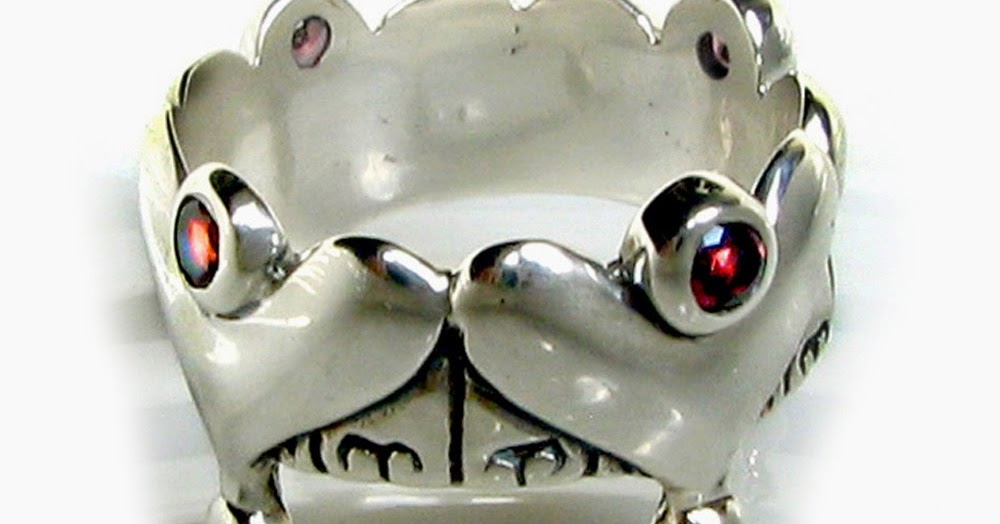3 REXES JEWELRY: Silver Gothic Crown Ring, Fairy Tale