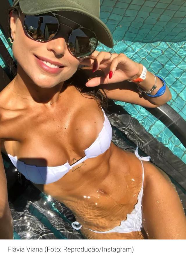 Flávia Viana ostenta curvas e bronzeado na rede social