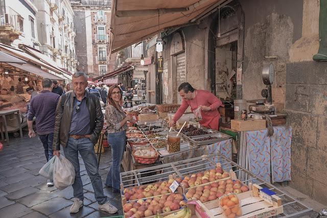 fare la spesa al mercato di catania