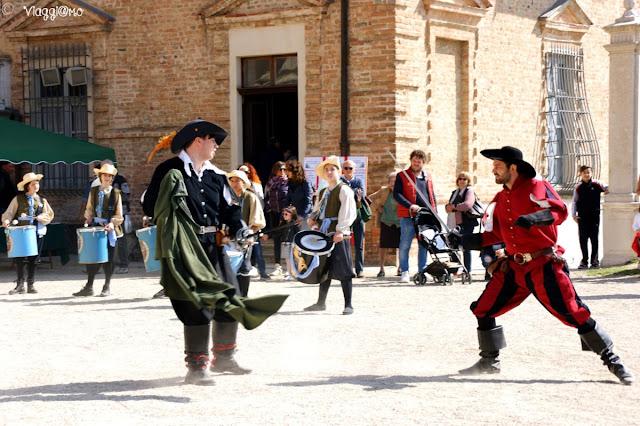 Il Gruppo storico di Canelli al Castello Reale di Govone