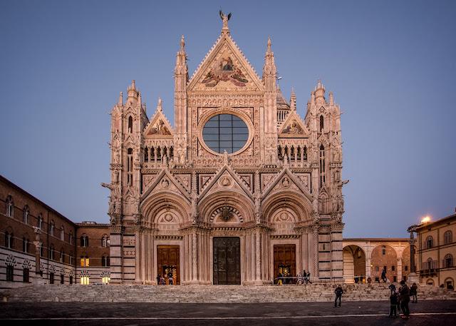 Duomo di Santa Maria dell'Assunta :: Canon EOS5D MkIII | ISO800 | Canon 17-40@17mm | f/4.0 | 1/15s