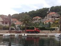 Radovi na rekonstrukciji nogostupa i izgradnji nove javne rasvjete Splitska slike otok Brač Online