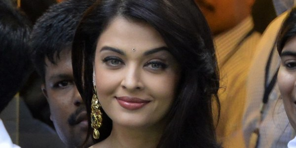 Simple Aishwarya Rai photos in full HD