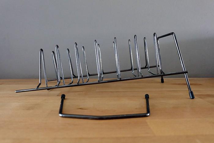 broken rack for pan lids