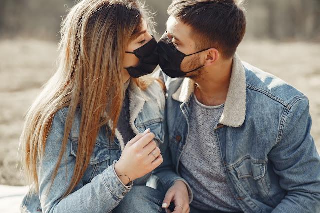 coronavirus couple