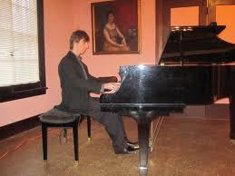 Wojciech Kocyan plays at the Ruskin Art Club, 2010