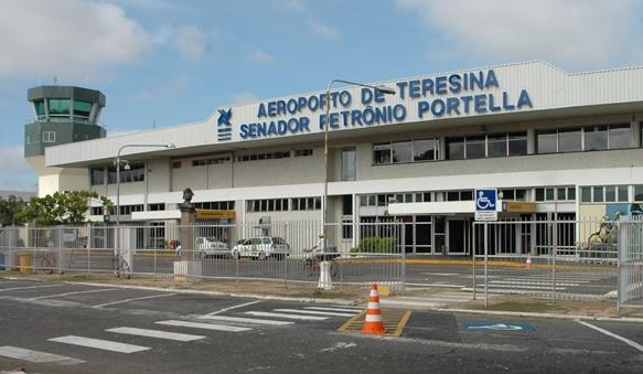 Chegada de pacientes vindo de Manaus para Teresina está previsto para meia-noite após atraso do vôo