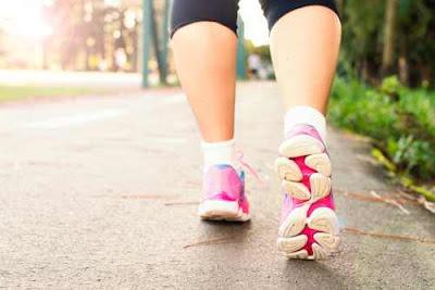 كيف تفقد الوزن عن طريق المشي؟