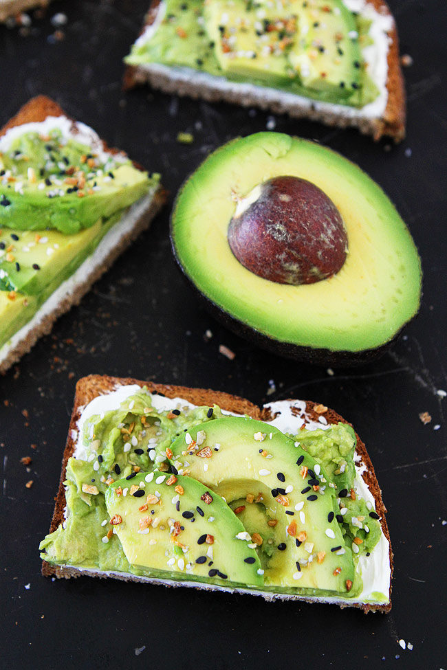 If you like Everything Bagels, you will LOVE this easy Everything Bagel Avocado Toast. It only takes minutes to make and is great for breakfast, lunch, dinner, or snack time!