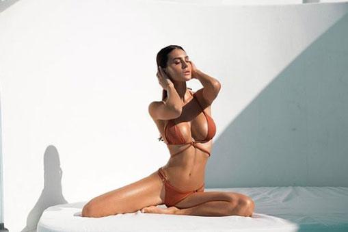 Đứng tim vì vòng 1 căng mọng của nữ CĐV sexy nhất Serie A