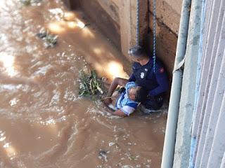 GCM de Rio Preto usou retroescavadeira para salvar morador de rua que se afogou na Represa