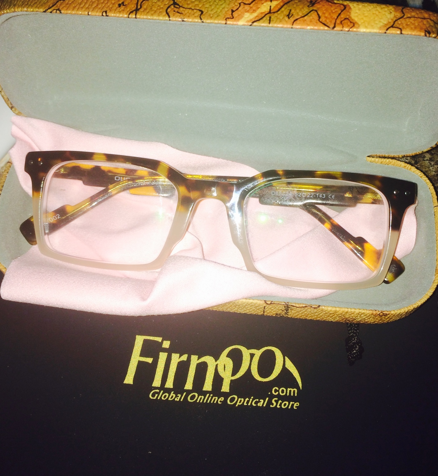 4d858d4c40c All Firmoo glasses come in a cute travel case and with a black travel bag.
