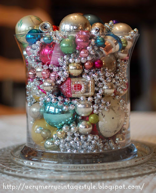 Merry Vintage Syle Make Christmas Centerpiece With