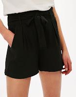 Short tailleur noir
