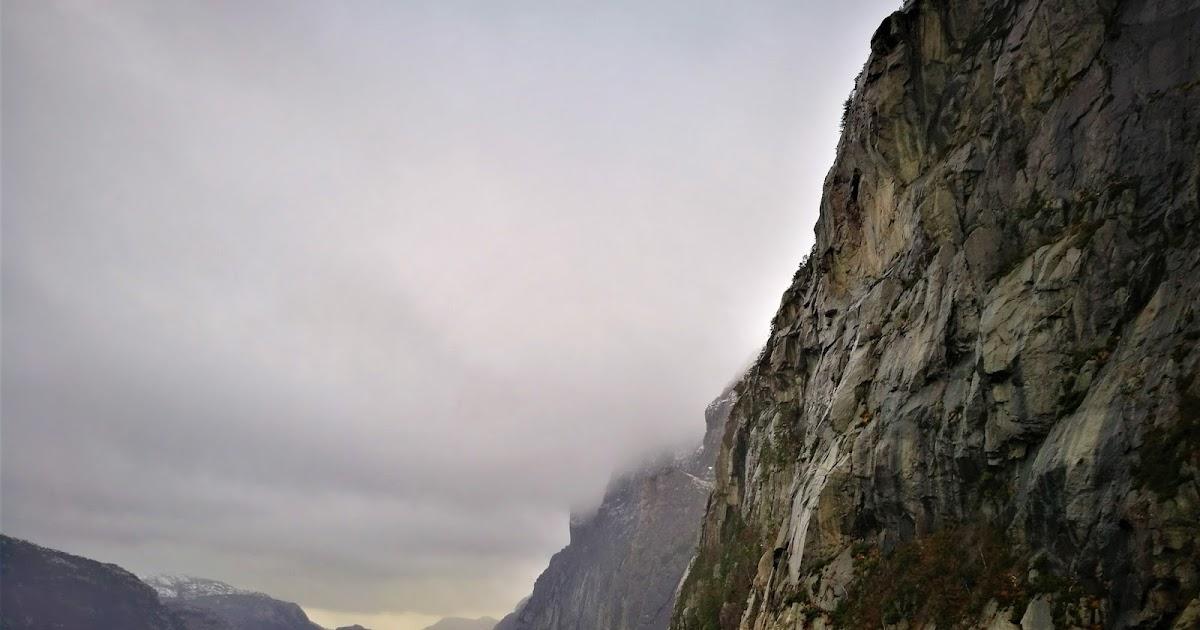 Cruise to Lysefjorden