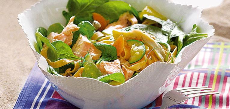 Salada Fria de Massa Tagliatelle e Salmão