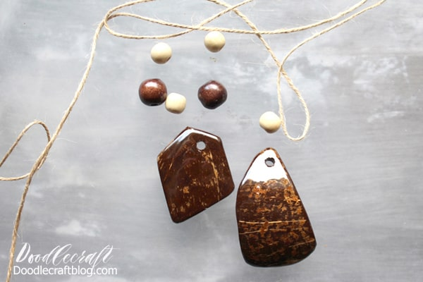 Make a high gloss resin coconut shell necklace for a natural and tropical look. Turn ordinary pieces of coconut shells into glossy and stunning jewelry.