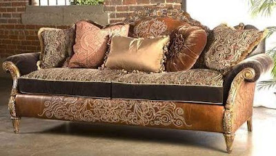 model sofa ukir mewah untuk ruang keluarga