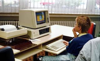 a-boy-sing-windows-in-computer-offline-computer-tips-tricks