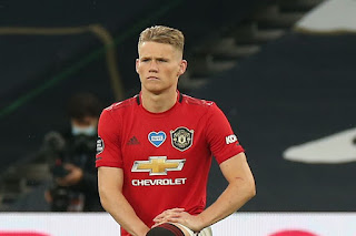 Scott McTominay has signed a new five-year contract with Manchester United.