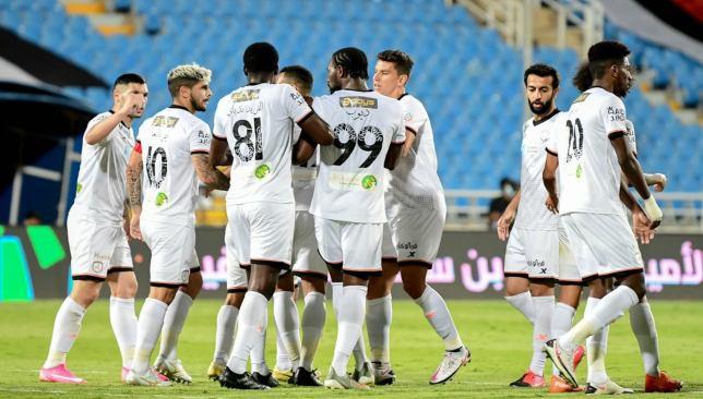 بث مباشر مباراة العين السعودي والشباب