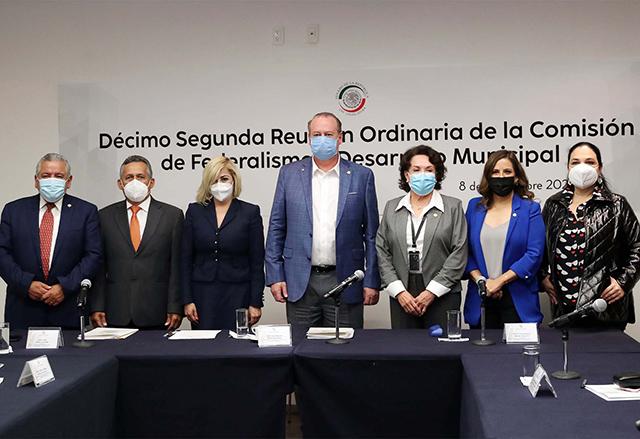 """El senador David Ortíz Salinas promueve pacto fiscal para alcanzar """"una mejor distribución de los recursos"""" ."""