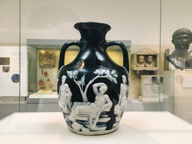 ポートランドの壺(The Portland Vase)