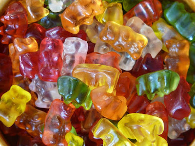 can dogs eat gummy bears, gummy bears for dogs