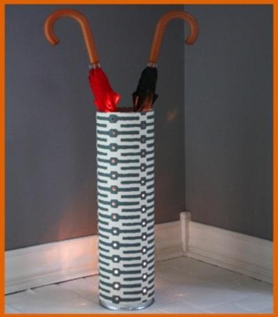 Pipa PVC (paralon) jadi wadah penyimpan payung