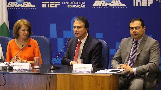 Ceará ultrapassa médias do Nordeste e do Brasil em Leitura, Escrita e Matemática