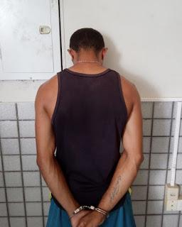 Em Guarabira, homem é preso por policiais do 4° BPM suspeito de violência doméstica e porte ilegal de arma de fogo