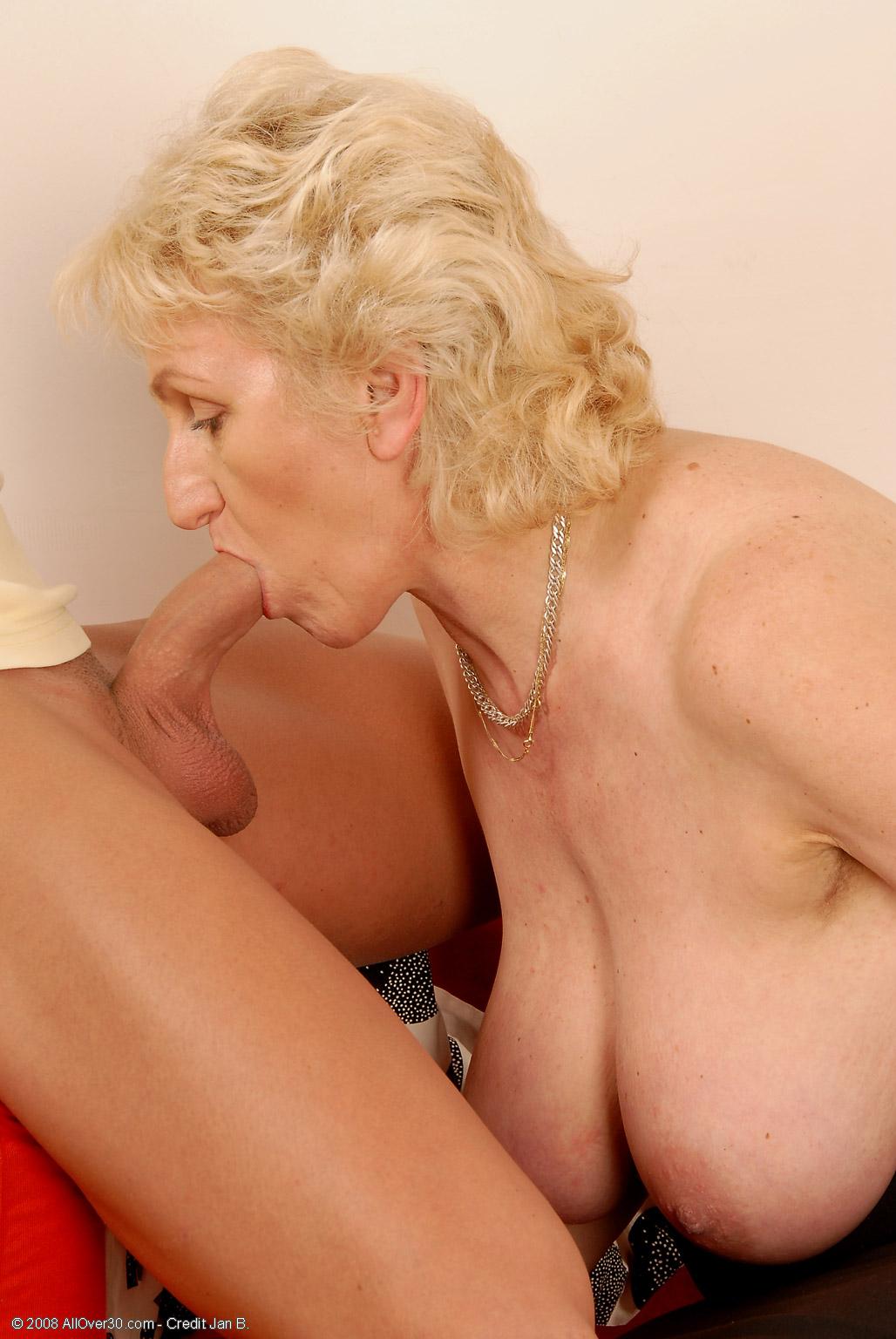 Granny mar hot - 1 part 1