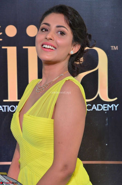 Madhu Shalini Looks Super Cute in Neon Green Deep Neck Dress at IIFA Utsavam Awards 2017  Day 2  Exclusive (6).JPG