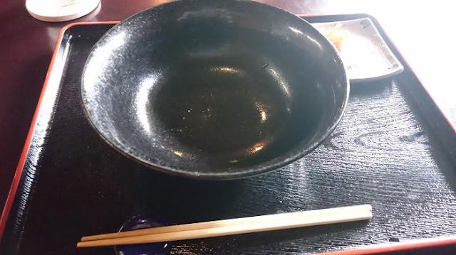 カフェゆーゆーらーさんの食器の写真