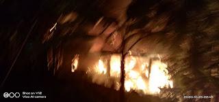 "Breaking News""Terjadi Kebakaran di Bulupoddo Sinjai"