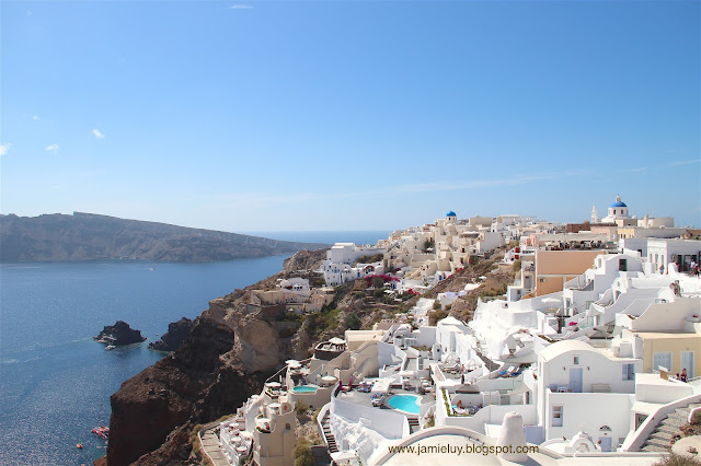 Things to see - White buildings in Oia, Santorini
