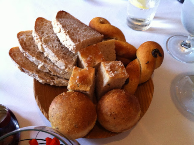 Bread basket, Lortolan restaurant