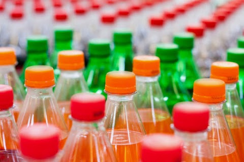 Mintegy felére csökkent az üdítők cukor- és kalóriatartalma 2010 óta