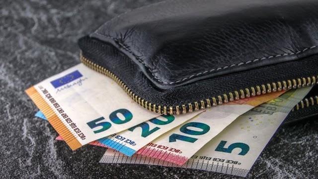 Καλαμάτα: Νεαρή ξάφρισε χρήματα από πορτοφόλι γνωστού της