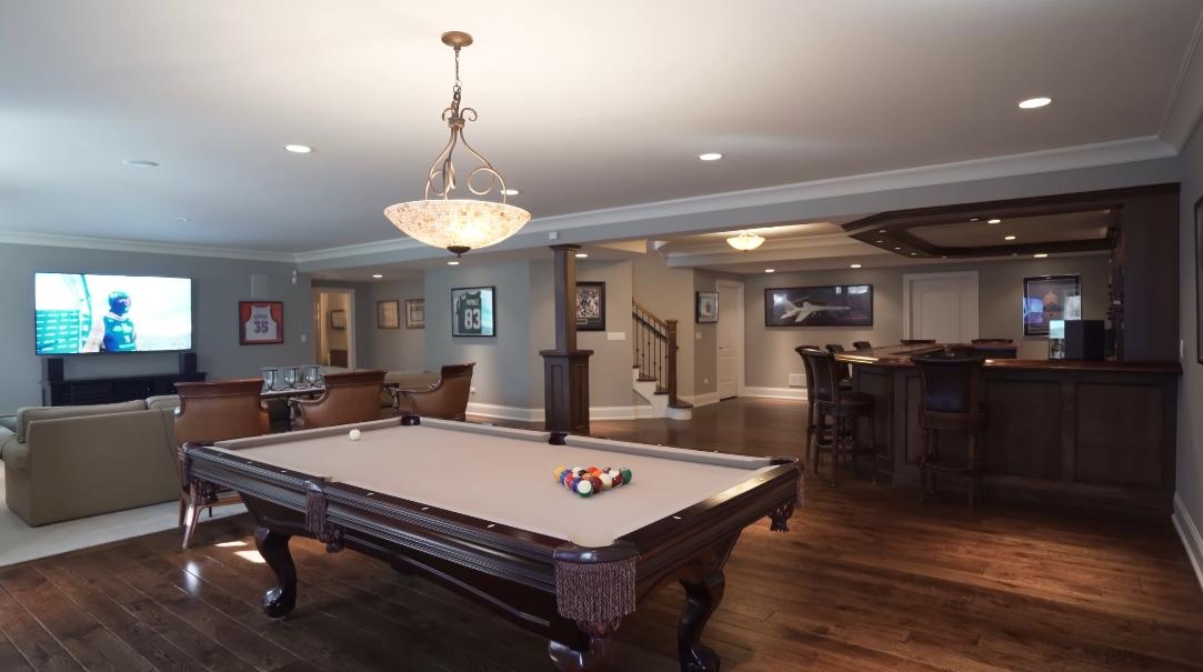 32 Interior Design Photos vs. 228 W Franklin Ave, Naperville, IL Luxury Home Tour