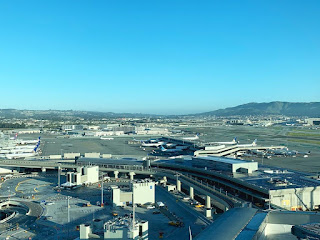 Clear skies and almost empty terminals @FlySFO Bitter sweet. #sfo #flysfo #united #aviation #avoationdaily #airport #avgeek #avporn #clearskies #instagram #instagood #lifeofanairtrafficcontroller