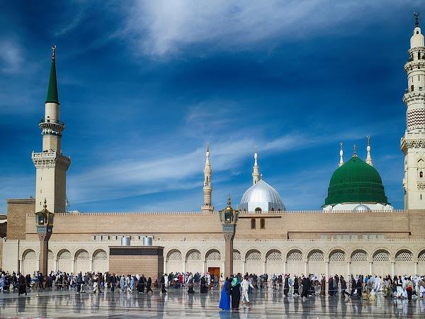 Pilih Paket Umroh Surabaya dan Kunjungi 3 Tempat yang Kerap Dikunjungi Jamaah di Madinah