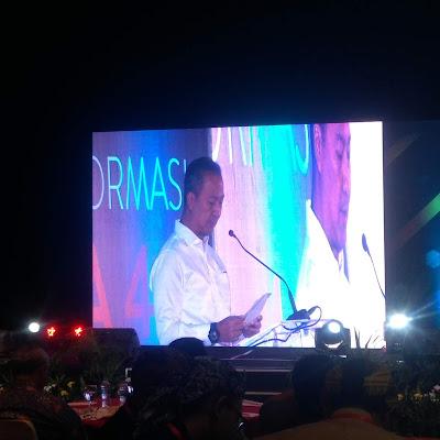 Menteri Perindustrian, Agus Gumiwang Kartasasmita memberi sambutan