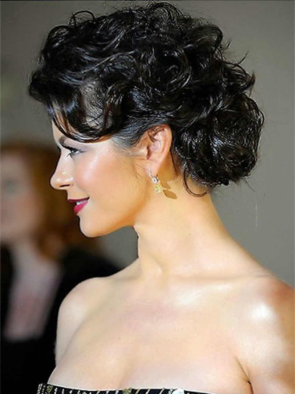 Remarkable Top 9 Easy Stylish Updos For Curly Hair Latest Hair Styles Amp Colors Hairstyles For Men Maxibearus