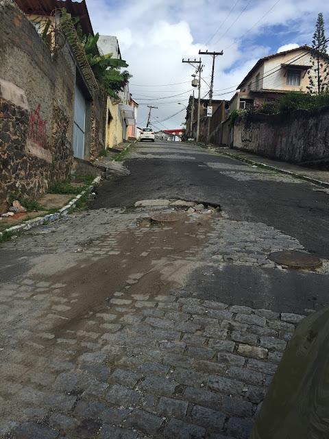 Histórica rua de pedras, a Rua Alexandre de Gusmão está esquecida