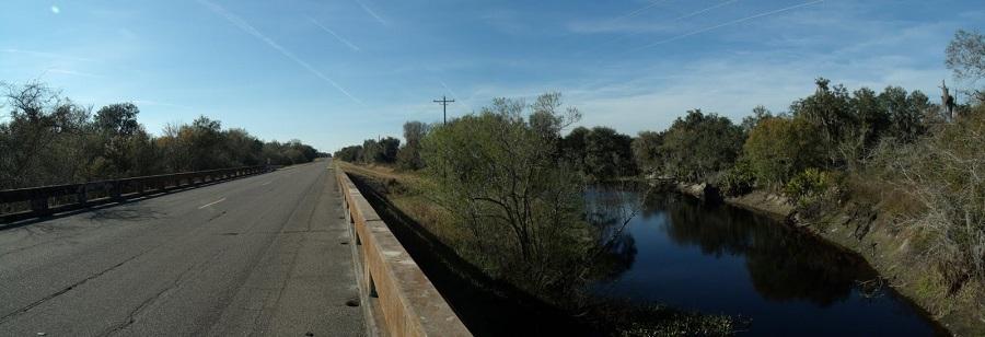 Puente sobre el Horse Creek saliendo de Lily