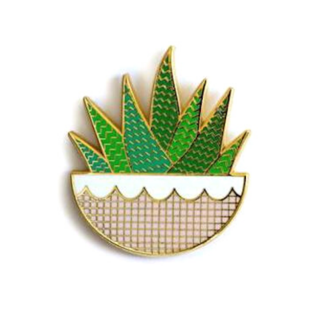 Plant enamel pin | 2019 Holiday Stocking Stuffer Guide for Quilters | Shannon Fraser Designs #pin #enamelpin #giftguide