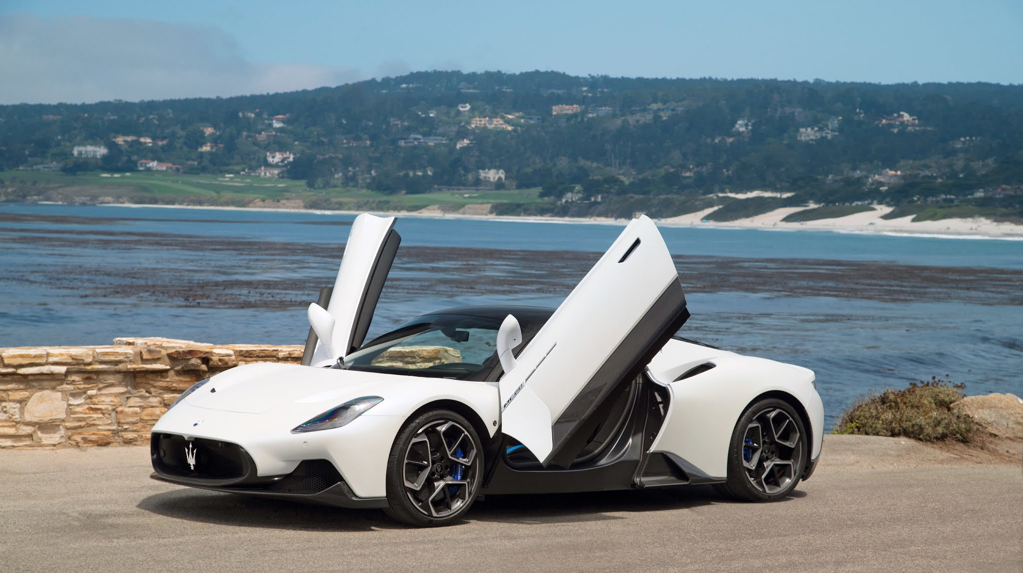 Maserati MC20 Dazzles on Pebble Beach Concept Lawn as Monterey Car Week Returns for 2021